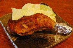 画像1: 阿波尾鶏骨付き鶏600gは市場には出回っていない入手困難の地鶏